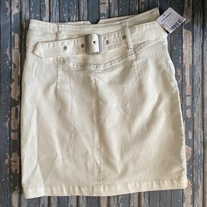 Free People White Skirt with belt size 4
